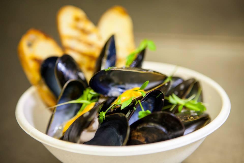 NoRiverLobster_mussels